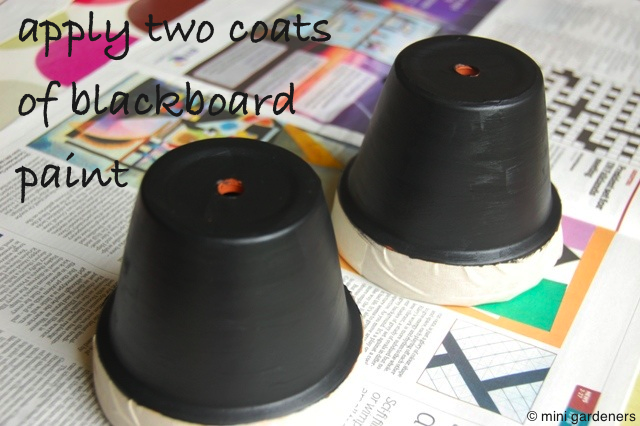 how to paint a plant pot with blackboard paint