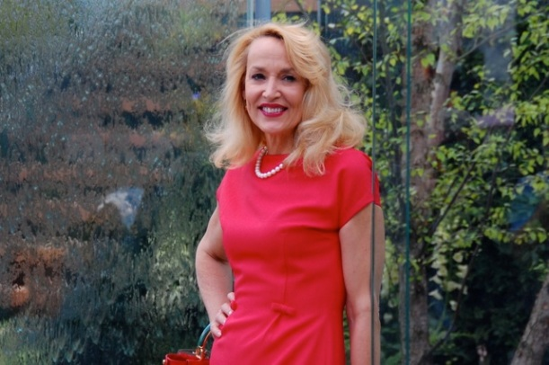 jerry hall at the chelsea flower show