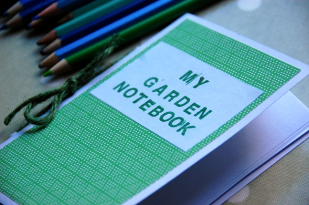 make your own garden notebook